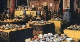 皇帝一餐几百道菜 吃不完的菜都怎么处理了?