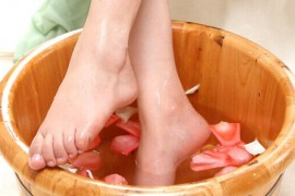 女子热水泡脚时突发疾病不治身亡 医生称泡脚并非众人皆宜