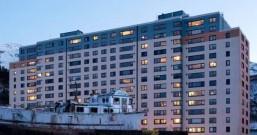 宅的最高境界,全镇的人都宅在这栋14层大楼里