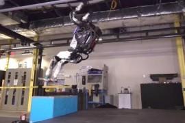 波士顿动力发布新版人形机器人:能跳跃旋转、后空翻