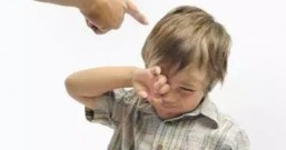 急躁焦虑的父母们别再逼孩子,停下来听一听